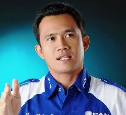 Ketua DPRD Bengkalis Ikut Antrian Di Pelabuhan Ro Ro