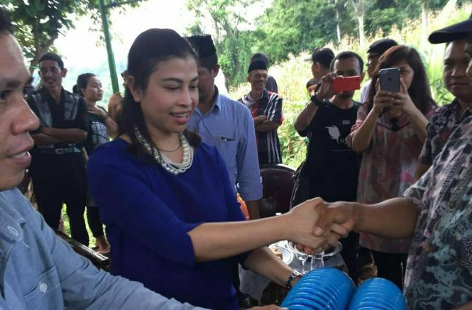 Setelah Jeneponto, Thita Bagi Bantuan di Makassar