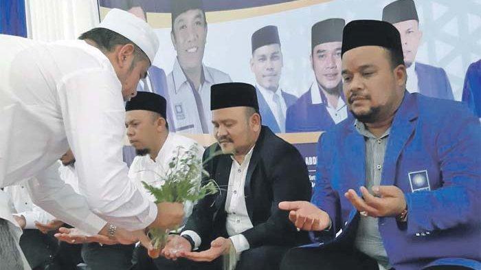 PAN Aceh Besar Peusijuek 9 Anggota DPRA dan DPRK