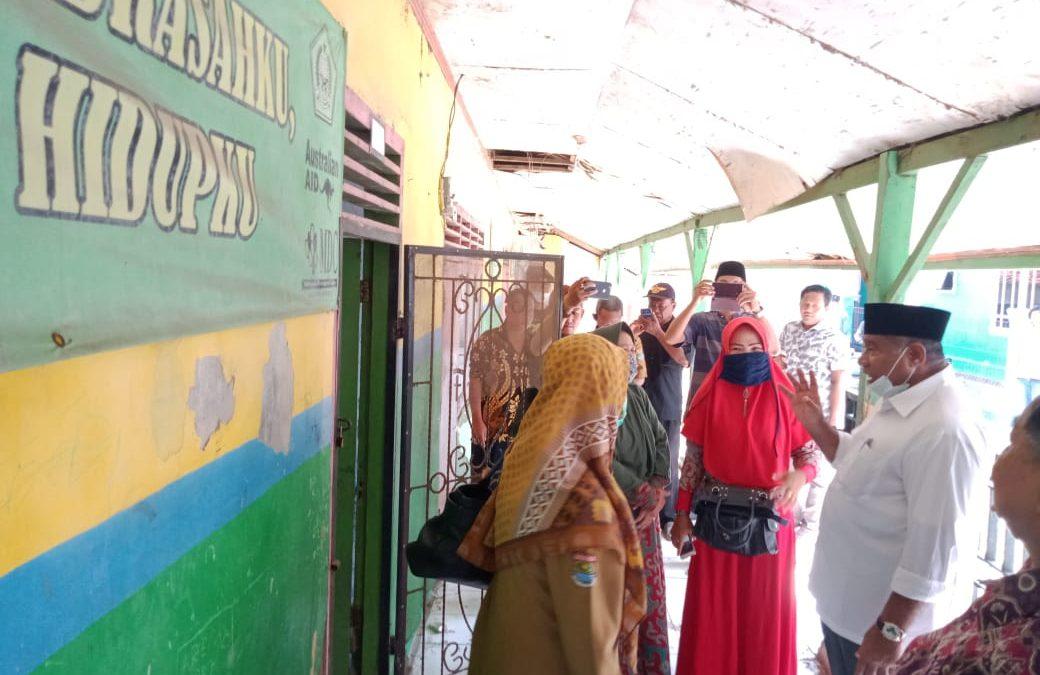 Dapat Laporan Warga, Anggota DPR RI Fraksi PAN Langsung Datangi Madrasah Rubuh